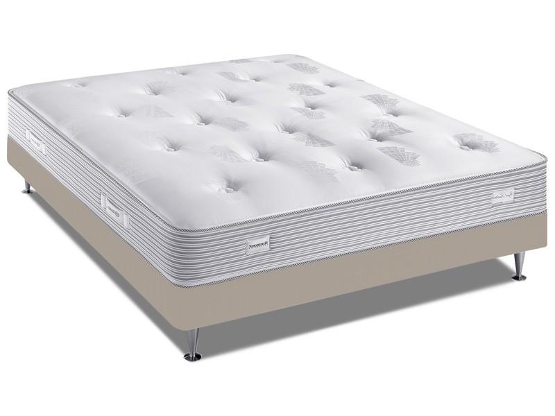 ensemble literie simmons royal tradition sp 18 avec la compagnie du lit. Black Bedroom Furniture Sets. Home Design Ideas