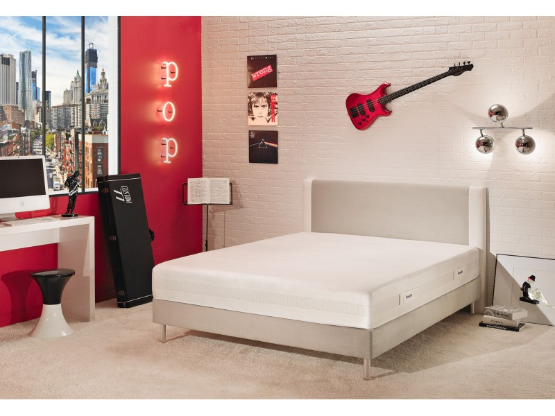 matelas dunlopillo m moire de forme avec la compagnie du lit. Black Bedroom Furniture Sets. Home Design Ideas